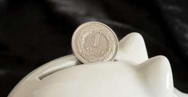 Afera KNF: Jak kupić bank za złotówkę?